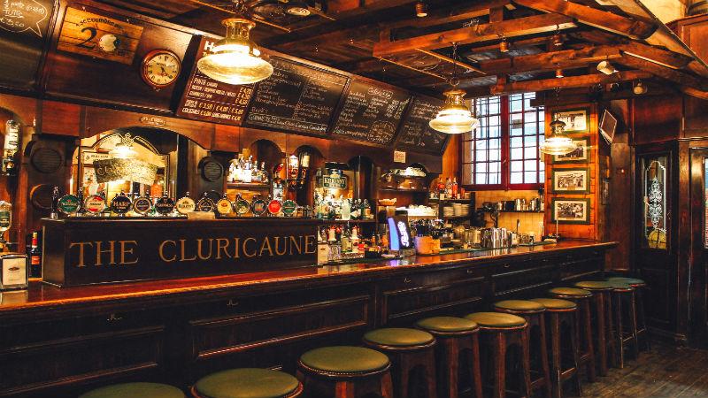 Irish pub University zone aperitif Bologna