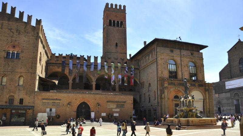 Palazzo Re Enzo visitare Bologna