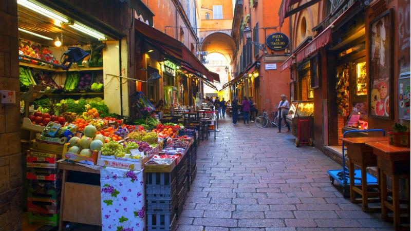 Quadrilatero e Mercato di Mezzo visitare Bologna