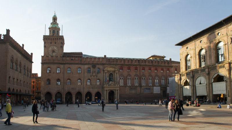 palazzo d'Accursio visitare Bologna
