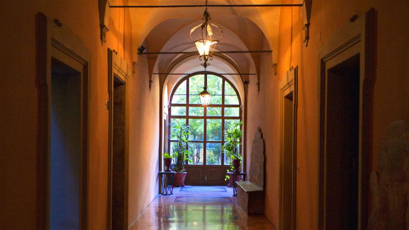 Strada Maggiore Palazzo Sampieri visitare Bologna