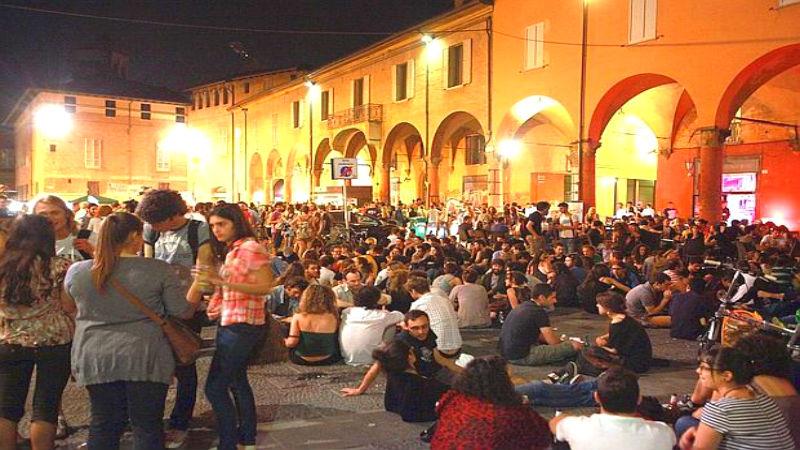 Piazza Verdi University zone aperitif Bologna