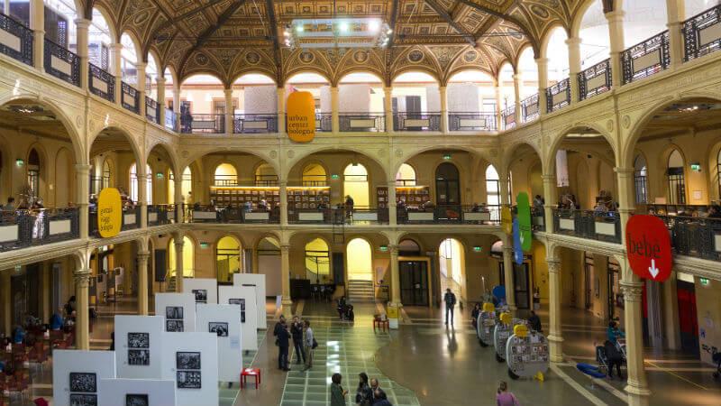 biblioteca Salaborsa visitare Bologna
