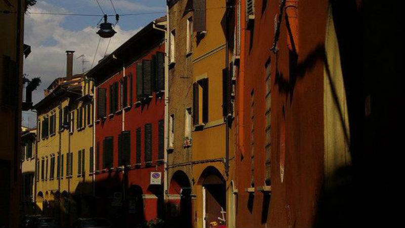 La storia di via Remorsella a Bologna