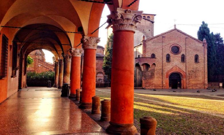 tour of Bologna Piazza Santo Stefano